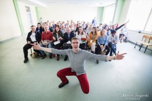 Read more about the article Why You Should Lead in Toastmasters
